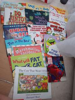 Scholastic Books - 16 in a bundle