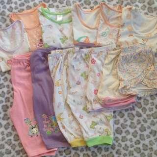 Bundle baby's clothing