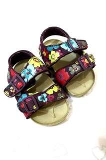 Sandal sepatu bayi