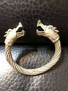 雙龍褸紋銀手環