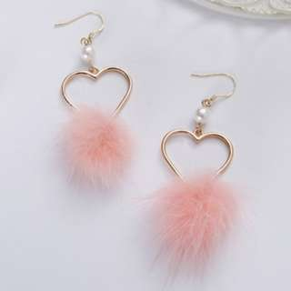 [A76] Heart Pom Pom Dangle Earrings