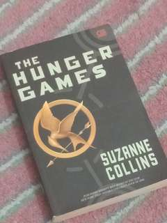 novel the hunger games 3 set