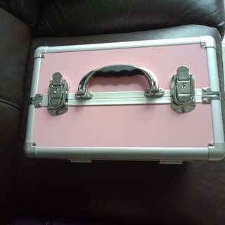 Manicure box