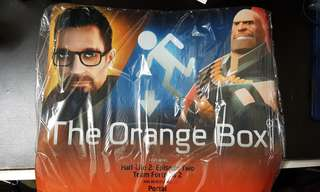 [BNIB] Mouse Pad - The Orange Box (half life 2, team fortress 2, Portal)