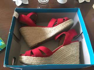 Wedge red shoes