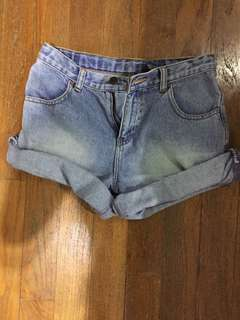 [instock] GAP acid wash denim shorts
