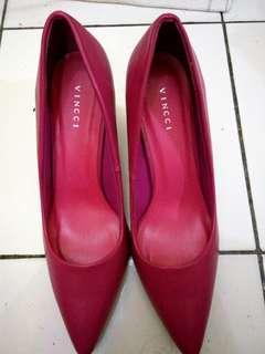 Sepatu Vincci hak tahu warna fuchsia