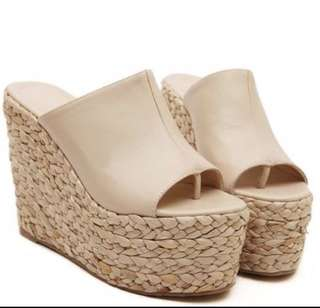 BN Wedge Shoes Size 34
