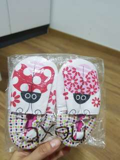 Brand new with Tag / NEXT Baby girl Pre-walker shoe