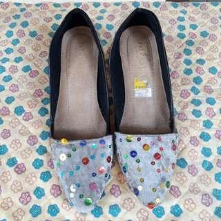 Sepatu ukr 39