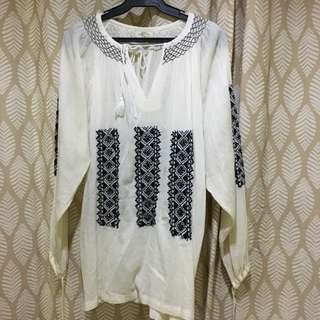 Embroidered bohemian blouse / dress