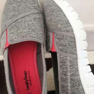 Comfy Shoes Size 4 (Msia 5)