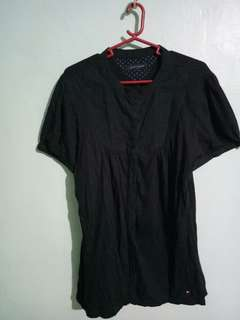 TOMMY HILFIGER black blouse (medium to large)