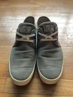 Paul Smirh Sneakers