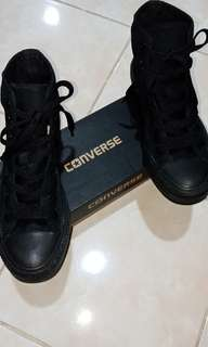 #PreLovedForSale #WellMaintainedShoes - Original CONVERSE Chuck Taylor