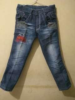Jeans anak
