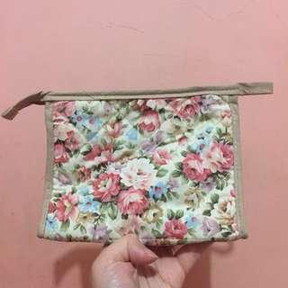 Pouch / case / tas kosmetik / cosmetic Thailand Aiya / Naraya