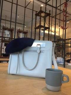 🚚 小CK白色大容量分隔質感斜背手提包