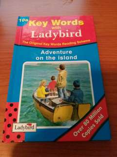 英文故事書 Key Words with Ladybird : Adventure on the Island (原價$35,而家特價$20!)
