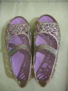 Crocs girl shoes