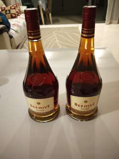 BEEHIVE V.S.O.P. Premium French Brandy