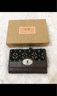 Fossil trifold black pecan