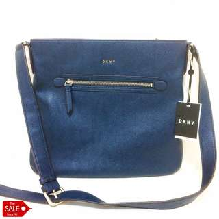 AUTHENTIC DKNY Jetlink Crossbody in Navy