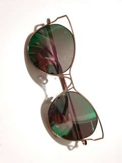 Cat eye sunnies