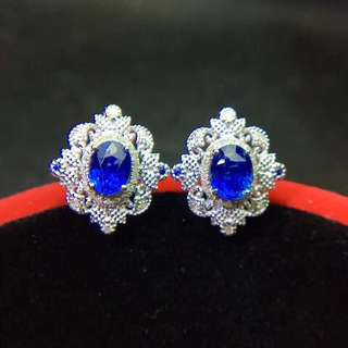 natural blue sapphire earring