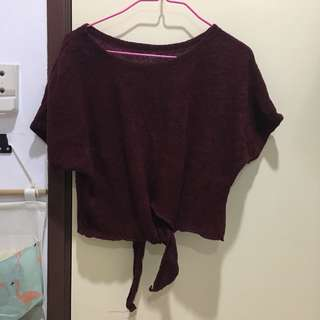 New knot knitted top