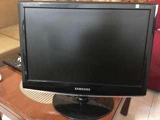 Samsung 733NW Monitor