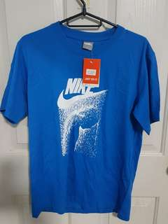 Nike T-Shirt (size M)