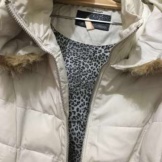 Winter coat putih