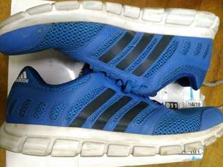 🚚 Adidas 慢跑鞋