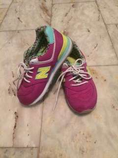 Authentic new balance rubbershoes