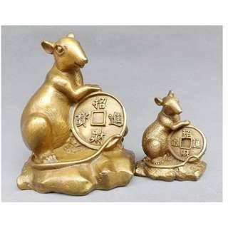 【抱錢銅鼠】*貔貅 文昌塔 葫蘆 金蟾 麒麟 白玉扣 象...更多,請查詢*木雕風水擺設工藝 ($248)