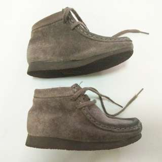Clarks Boy Shoes / Baby Boot (6.5 G/ 7W/ 23)