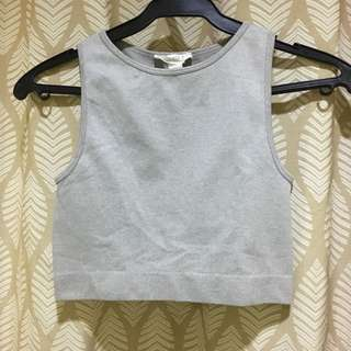 Fitted gray crop top