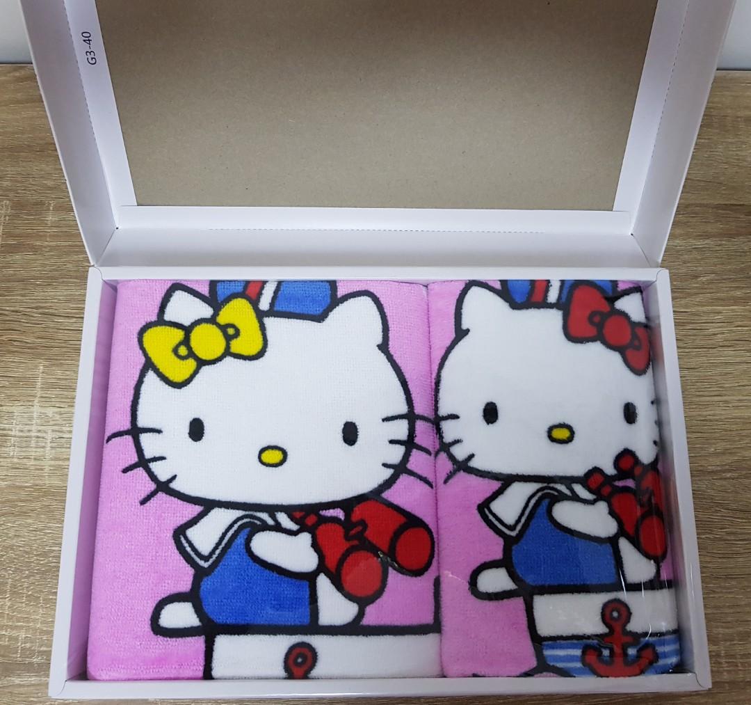 1632e5618 Hello Kitty Bath towel set, Health & Beauty, Bath & Body on Carousell