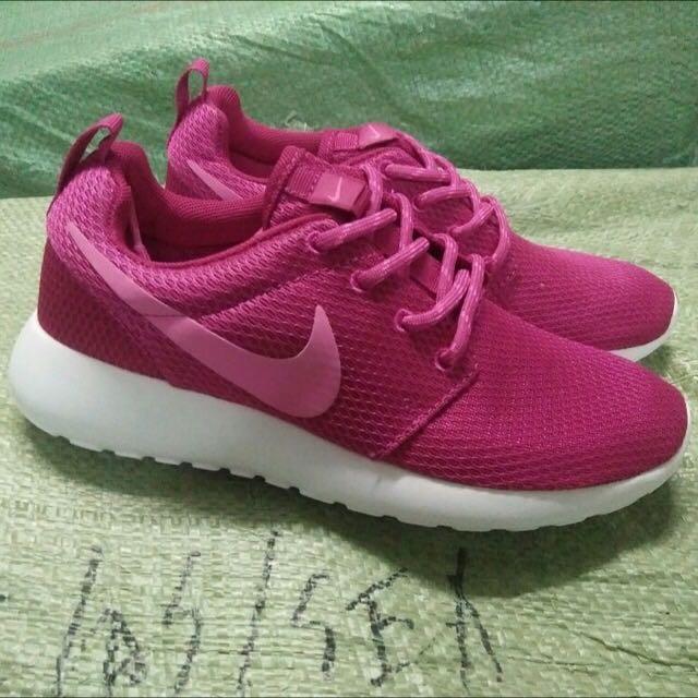 Nike Roshe Run Ori Made In Indo Fesyen Wanita Sepatu Di Carousell