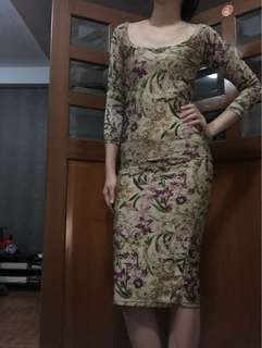 Dress midi bunga