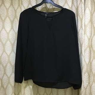 Black blouse w cutout