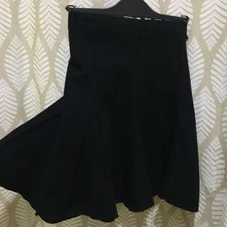 Fit and flare wool black skirt