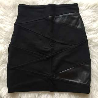 TALULA Black Skirt With Leather Detail Size 2 (P/U only)