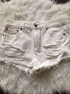 FOREVER21 White Distressed Denim Shorts Size 26 (P/U only)