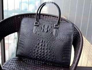 意大利代购 Prada/普拉达 黑色十字纹杀手包 有肩带 中号