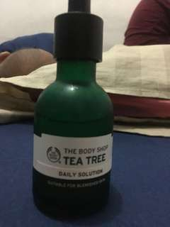 The body shop tea tree day solution