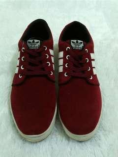 Sepatu sneaker Adidas size 43