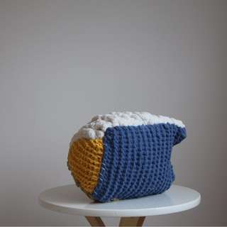 Molly: Knitted Pillow