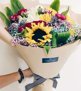 Designer series bouquet DS214